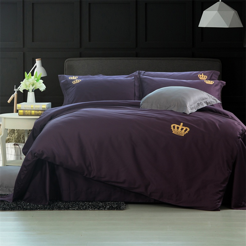 Crown Embroidery King Queen Size 4PCS 60 Long-staple cotton Bedding Set Solid Color Duvet Cover Bed Linen Bed sheet PillowcasesCrown Embroidery King Queen Size 4PCS 60 Long-staple cotton Bedding Set Solid Color Duvet Cover Bed Linen Bed sheet Pillowcases