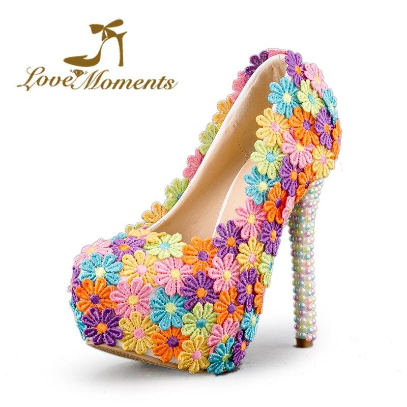 사랑 순간 여러 가지 빛깔의 웨딩 드레스 신발 숙 녀 - 여성 신발