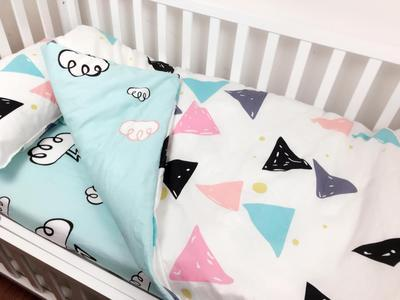 With Filling Triangle Cloud Toddler Cartoon Bed Bedding Set in the Crib for Infant Cotton Crib Bed Linen ,Duvet /Sheet/PillowWith Filling Triangle Cloud Toddler Cartoon Bed Bedding Set in the Crib for Infant Cotton Crib Bed Linen ,Duvet /Sheet/Pillow