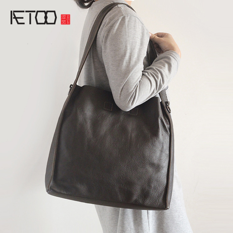 AETOO Europe and the United States retro leather handbags imports the first layer of leather leather skin leather bag simple pac aetoo europe and the united states trend of the first layer of planted tanned leather men handbags hand ladies shoulder diagonal