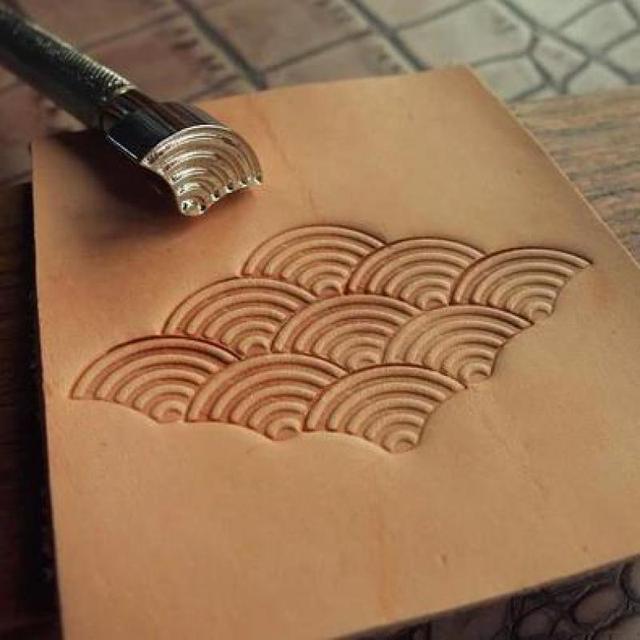 Diy Handmade Steel Seawave Pattern Carving Tool Printing Leather stamp Leather Work Tools
