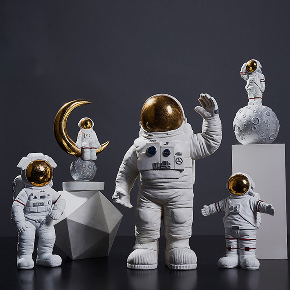 Brand New Creative Resin Astronaut Series Decorations Crafts Mobile Holder Household Desktop Decoration Gift For Friends Boys in Figurines Miniatures from Home Garden