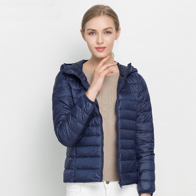 Winter Hooded Down Coats Women Ultra Light Down Coat Female 90% Duck Down Jacket Packable Thin Feather Short Parka Autumn 2018