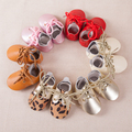 Cuero genuino más nuevo primeros caminante cordones zapatos de bebé del niño del bebé mocasines de fondo plano 0-24 m del bebé zapatos de las muchachas