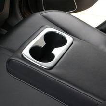 Стайлинга автомобилей внутренняя заднем ряду держатель стакана воды Рамки Обложка украшения отделка Стикеры для Kia Sportage QL 2016 2017 авто интимные аксессуары