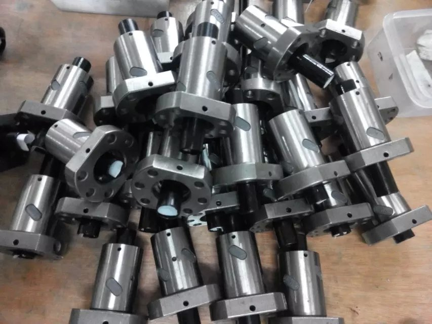 ballscrews  SFU1605-300/1000/1300 mm  with sfu 1605-4 ballnut +end Machining