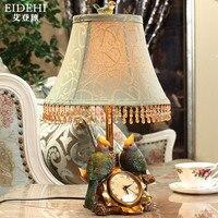 Tuda 34x48 cm envío libre lámpara de mesa de estilo americano borla lámpara del dormitorio pantalla pájaro estatuilla tallada con reloj lámpara de mesa