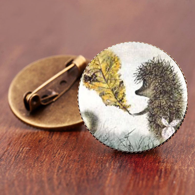 SUTEYI Vintage Hedgehog Brooch Special Animal Pins Vintage Jewelry Brooches  Bronze Antique Plated Collar Pin For