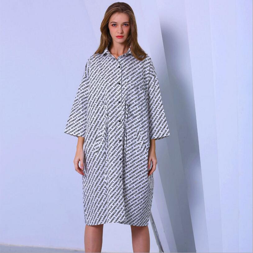 Style européen américain printemps été femme mode lettre imprimer robes de chemise pour les femmes col rabattu à manches longues robe longue