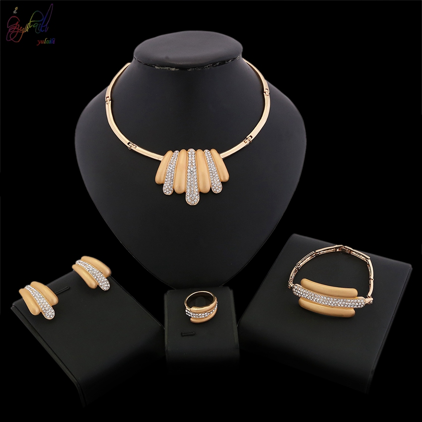 Yulaili Free Delivery 2018 Hot Sell Unique Design 18 Carat Gold Color Ladies Alloy Jewelry Sets yulaili free delivery hot sell factory ethiopia design copper alloy four pieces ladies big jewelry sets