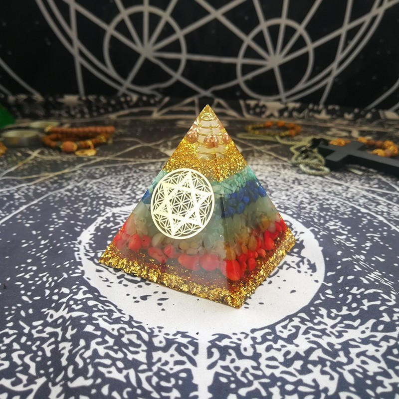 AURAREIKI Orgonite Pyramid 7 Chakra Zadkiel Energy Crystal Eliminates Negative Energy Lapis Tourmaline Resin Pyramid Crafts