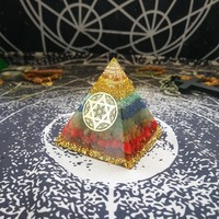 AURAREIKI Orgonite Pyramid 7 Chakra Zadkiel Energy Crystal Eliminates Negative Energy Lapis Tourmaline Resin Pyramid Crafts