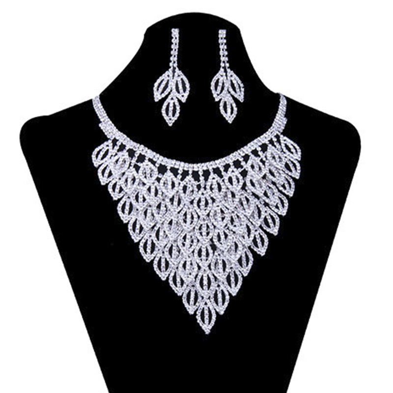 YFJEWE Crystal Necklace Women Rhinestone Pendant Necklace Ribbon Choker Bib Collar Necklace #N084 graceful rhinestone choker necklace for women