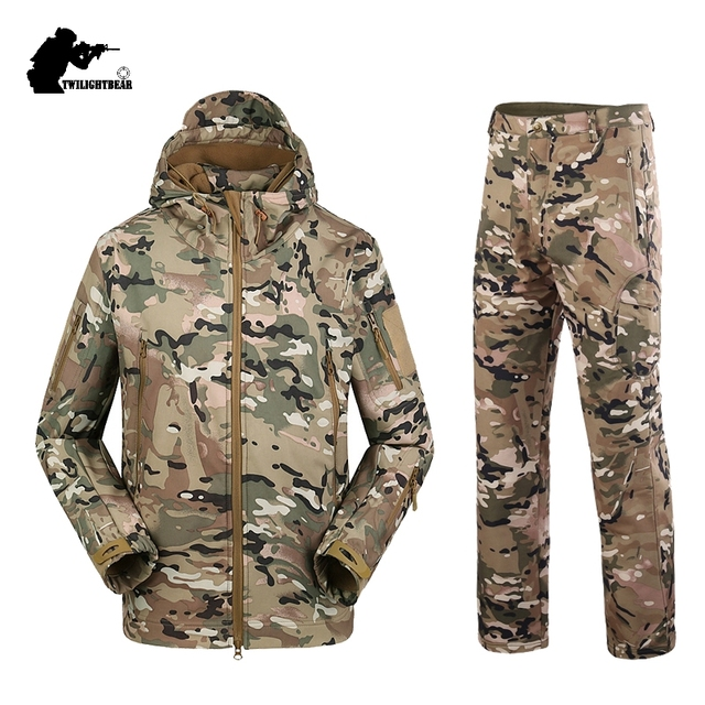 Military TAD Camouflage Shark Skin Soft Shell Tactical Suits Winter Autumn Waterproof Fleece Combat Gear Men clothing suit BF05