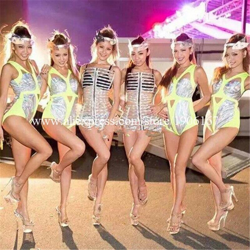 Nouvelle conception argent fille Performance femmes Costume Sexy dame robe de soirée Cabaret scène Performance Cosplay vêtements