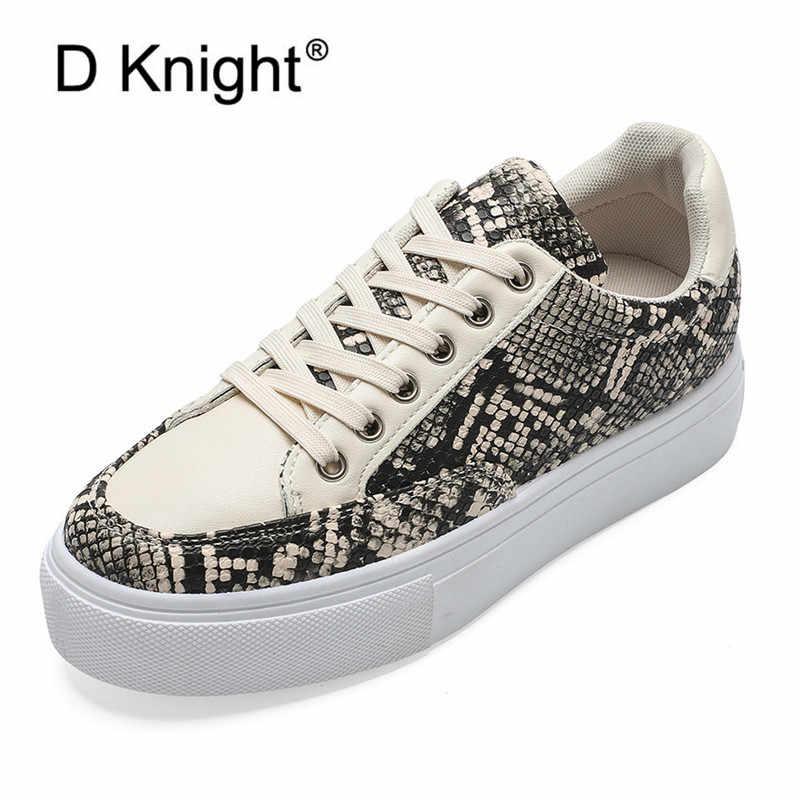2020 الربيع ضوء ثعبان نمط الإناث أحذية رياضية الصيف الدانتيل يصل منصة مسطحة النساء أحذية رياضية اللون كتلة حذاء أبيض للمرأة