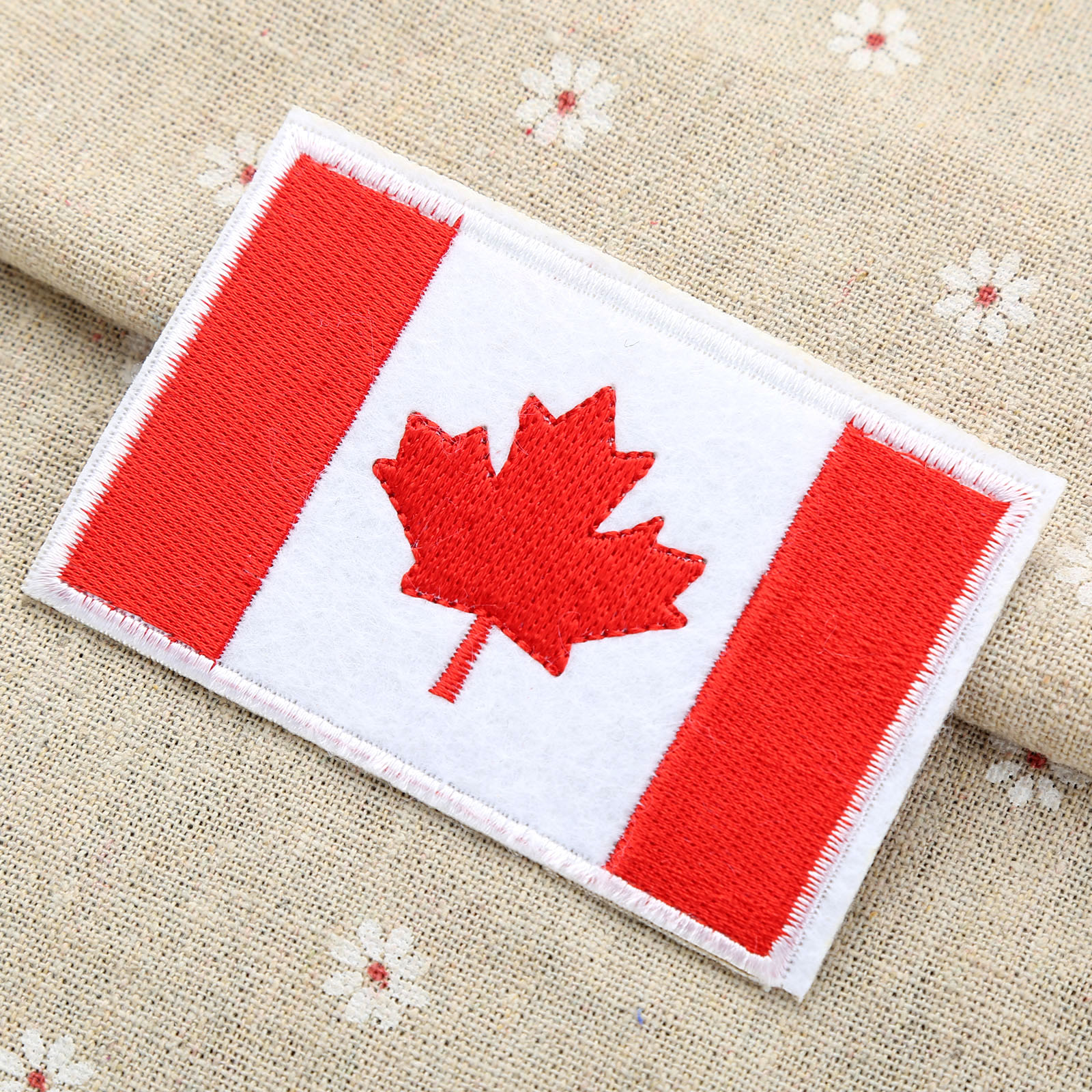 New CANADIAN FLAG PATCH Embroidered 6 cm x 3.5 cm Iron On Canada Flag Patch