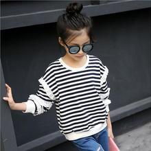 Топы для маленьких девочек; Детские футболки; Осенняя детская одежда; Модный черно-белый свитер в полоску для девочек-подростков; футболка; Одежда для девочек