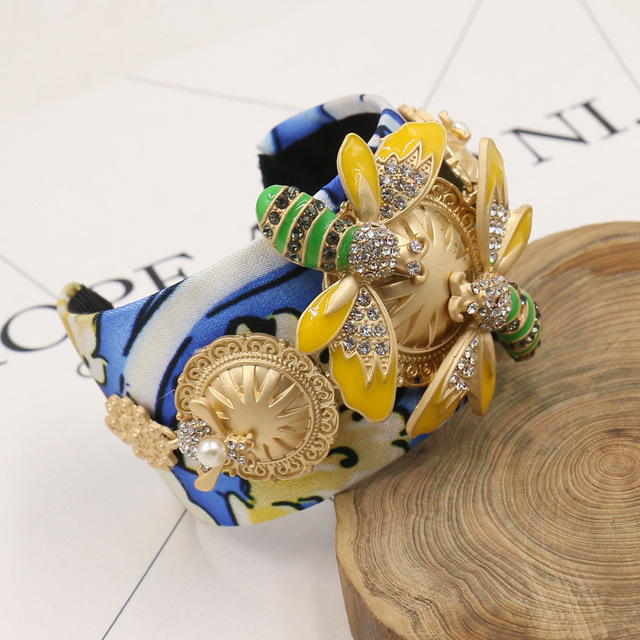 2016 Fashion Baroque Bangle Printing Gilded Insect Bee Honey With Crystal Womens Wide Cuff Bracelet Famous Brand Jewelry Gifts