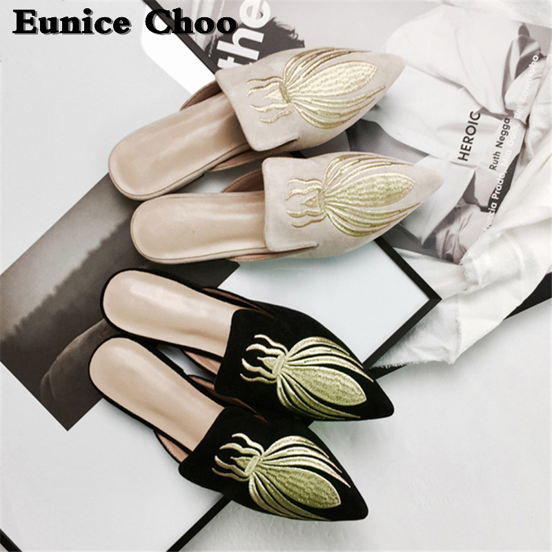 Pointy Toe Muller Verano Zapatillas Mujeres Mujer Zapatos Rebaño Slingbacks Eunice A Planos Mules Bordado Abeja Toboganes Oro b Para Las Choo wPr5wEqv