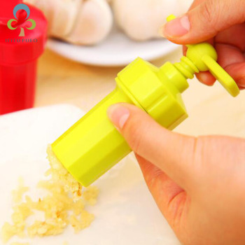 1pc Kitchen Gadgets Plastic Garlic Tools Rotary Garlic Presses Ginger Grinding supplies home kitchen tools LYQ