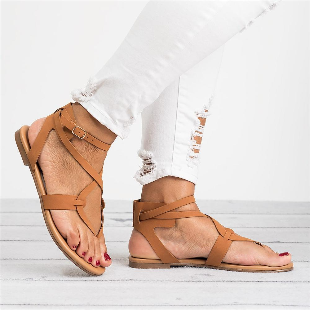 Women Sandals Gladiator Peep Toe Buckle Strap Buckle Design Women Flats Shoes Summer Beach Ladies Shoes Cross straps Style trendy women s sandals with cross straps and metal design