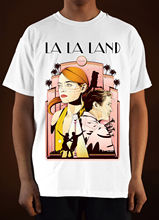 цена на LA LA LAND Movie Poster Ver.  Ryan Gosling Emma Stone T-Shirt (White) S-3XL  Short Sleeve Cotton T Shirts Man Clothing