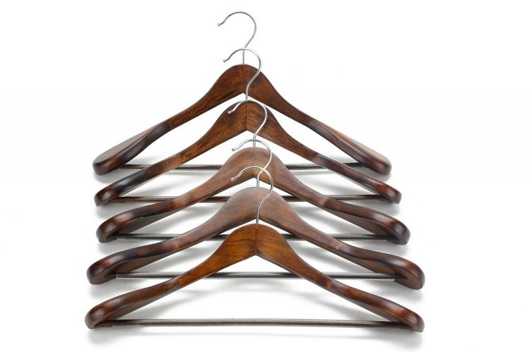 Hangerlink Extra Wide Shoulder Suit Hangers Wood Clothing Hangers for Closet Collection Retro Finish 5 pieces lot in Hangers Racks from Home Garden