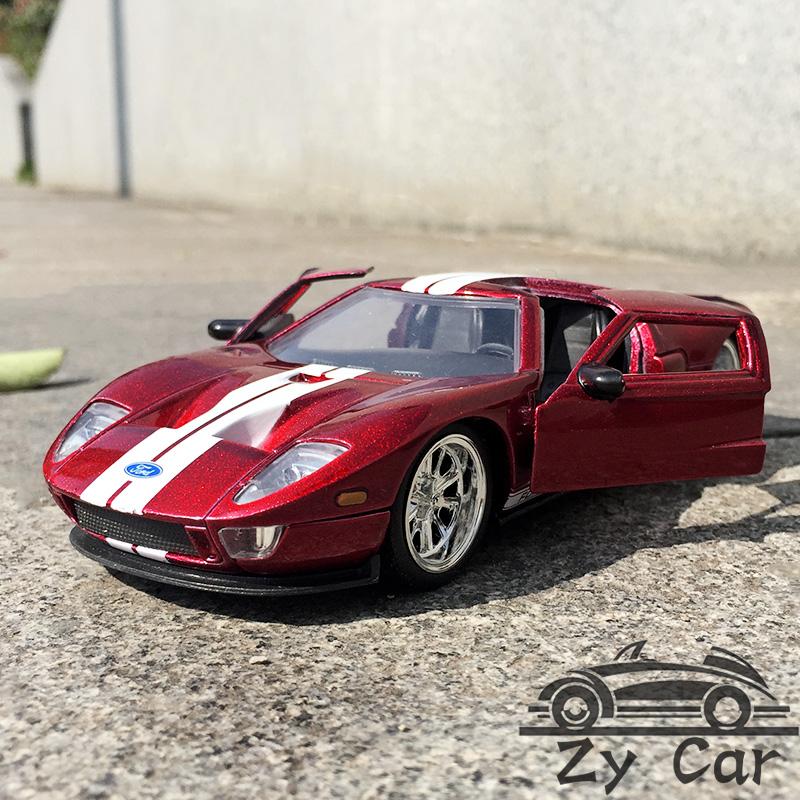 Ford Sports Car Models: 1:32. Ford GT Alloy Metal Sports Car Model Child Toy