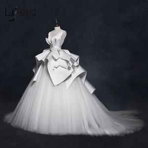 Image 1 - בציר 2018 חתונה שמלות ראפלס Ruched אלגנטי כלה שמלות צווארון V ללא משענת גבוהה סוף חתונת כותנות Vestido דה Noiva