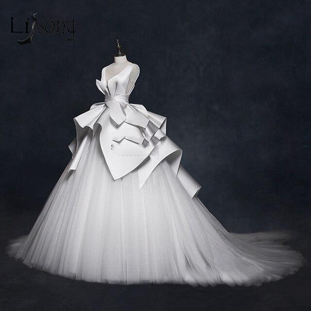 Vintage 2018 Wedding Dresses Ruffles Ruched Elegant Bridal Gowns V neck Backless High End  Wedding Gowns Vestido De Noiva