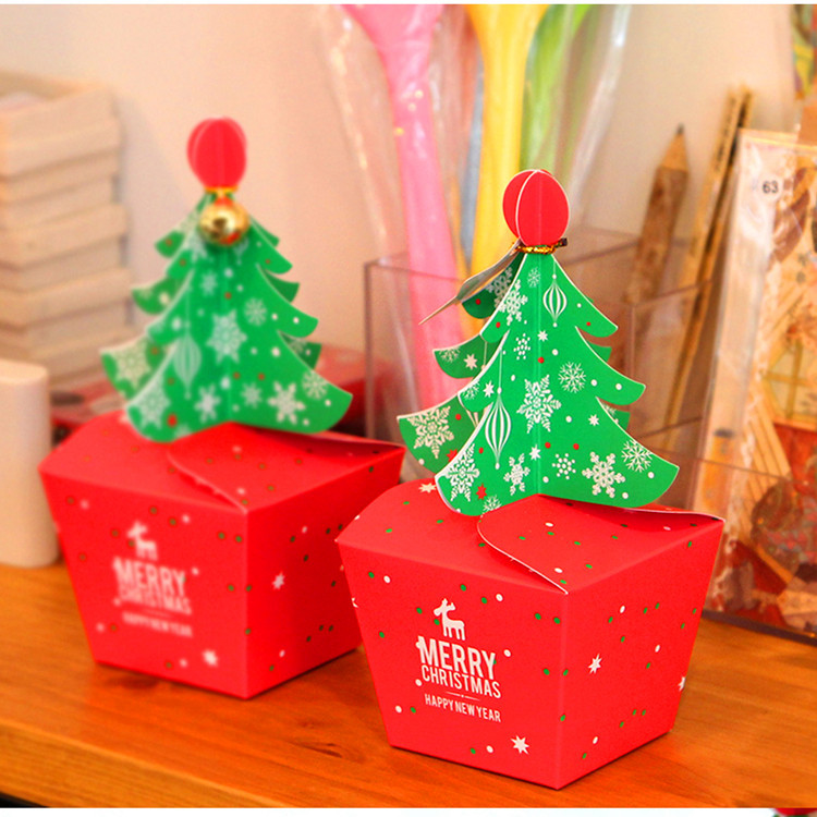 50pcs 2 sizes christmas decoration christmas tree candy box paper boxes apple gift box favor box with wedding red in gift bags wrapping supplies from home