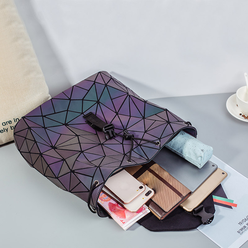 HTB1fI4nXouF3KVjSZK9q6zVtXXaI Fashion Women Luminous Backpacks Female Shoulder Bag Girl Daily Backpack Geometry School Folding Bag Travel School Bags Hologram