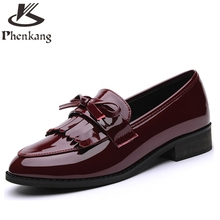 Patent leather 2017 sping women flat shoes single British loafers round shallow black red tassel casual shoes us size 8