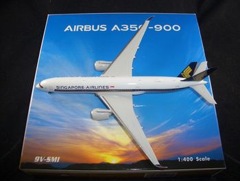 1:400 PH04217 Singapore Airlines A350-900 9V-SMI Aircraft Model Toy for Decoration Model