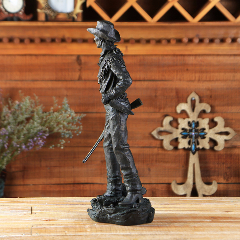 cowboy with gun figurine (11)