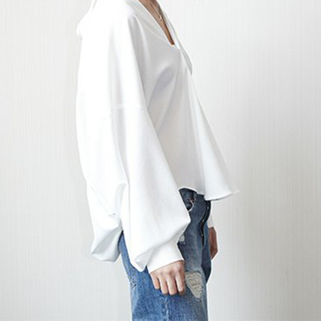 TWOTWINSTYLE White T Shirt For Women V Neck Batwing Sleeve Big Size Basic T Shirt Tops Summer Fashion Female Casual Clothing 1