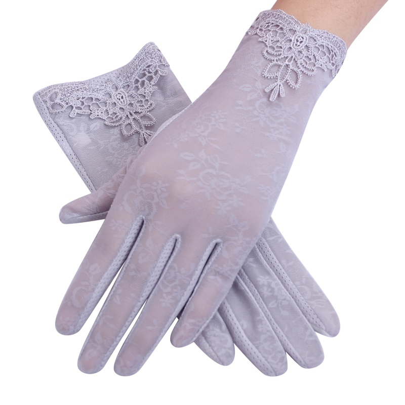 Sexy 2018 Summer Women UV Sunscreen Thin Touch Screen Fashion Ice Silk Lace Driving Lady Gloves Short Sun Female Gloves