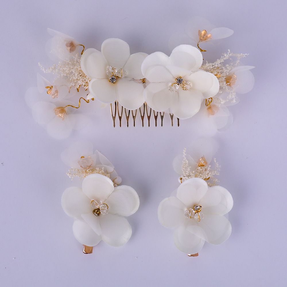 Bridal Tiara Crystal Flower Multi-satin Cloth Leaf Gold Hair Comb Elegant Temperament White Flower Hair Comb Wedding Accessories