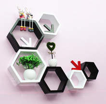 3pieces / lot hexagonal en forma de estantes de pared decorativos de madera estantes de pared moderno rojo, negro, blanco 3D etiqueta de la pared estante de la pared coreana