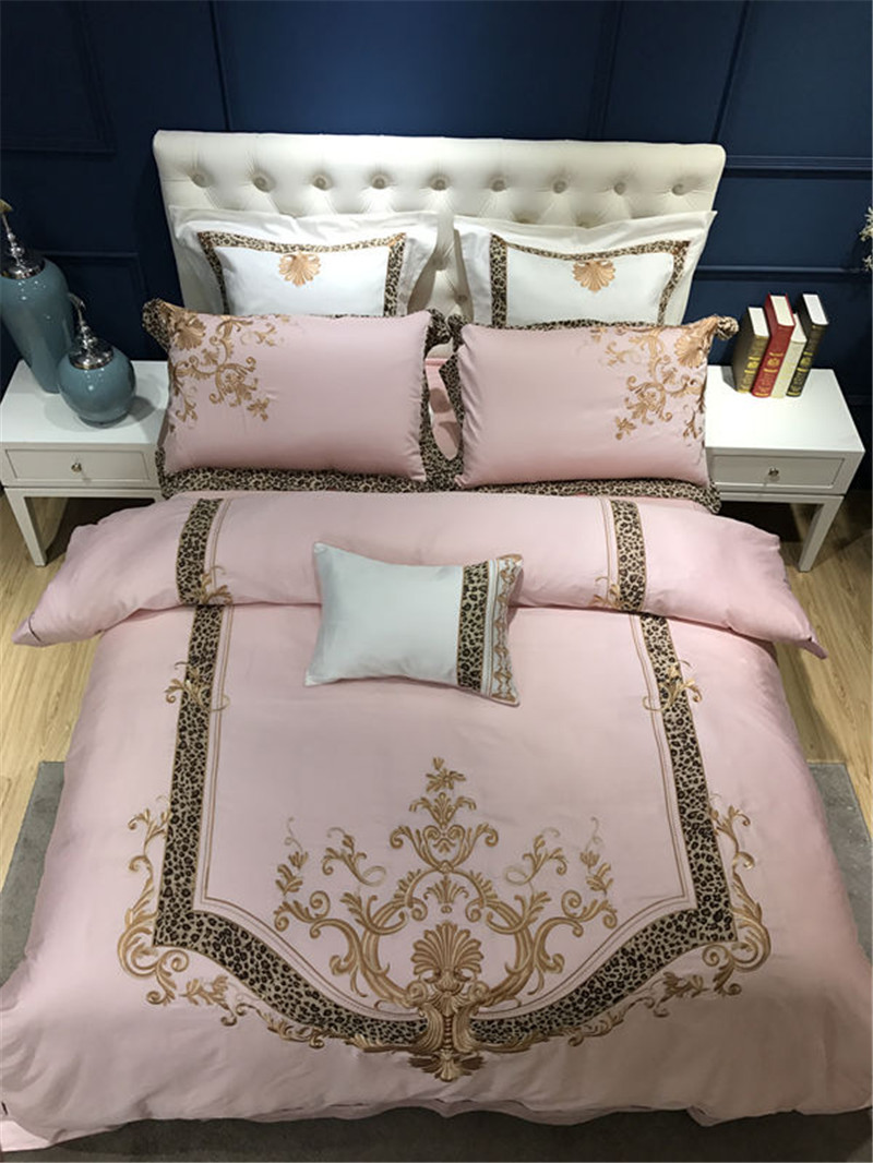 47pcs Egyptian Cotton Pink Flowers Embroidery Luxury Bedding Sets