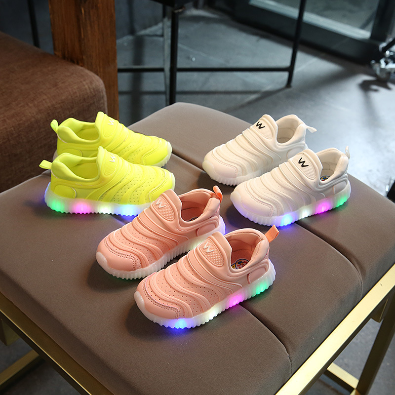 2018 soft slip on cool children casual shoes Patchwork Lovely LED cool baby sneakers high quality girls boys shoes patchwork led shoes sneakers