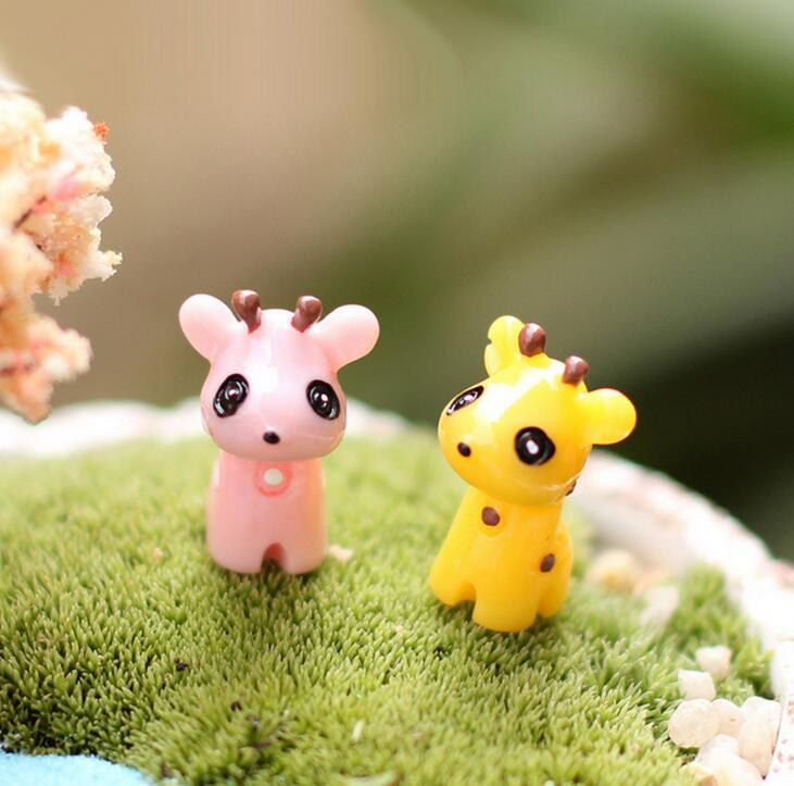 Hot Sale New Fashion Mini Giraffe Micro Landscape Decoration hot sale cayler