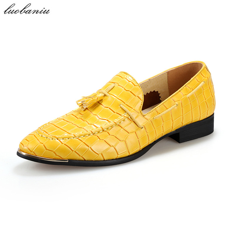 Crocodile Leather Shoes Men Loafers Slip On Brand Men Shoes Casual Pointed Toe Moccasins Men Black Blue Yellow Red crocodile shoes men loafers moccasins men shoes casual flats men flats slip on leather shoes brown blue black