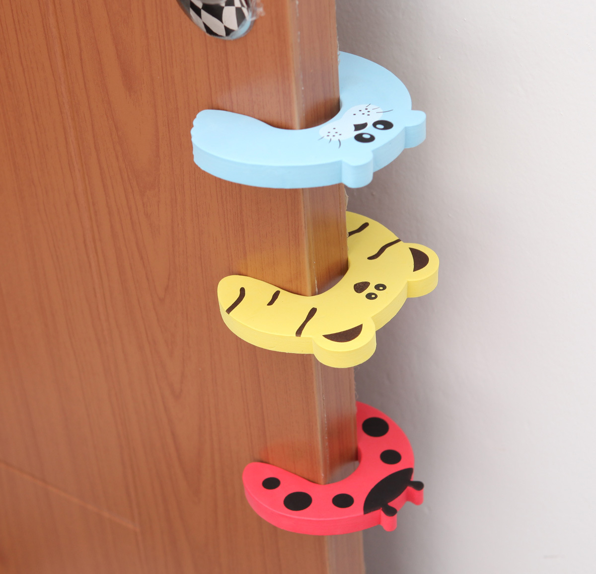5 PCS Beideli Kids Baby Cartoon Animal Jammers Stop Edge Corner Guards Door Stopper Holder lock baby Safety Finger Protector