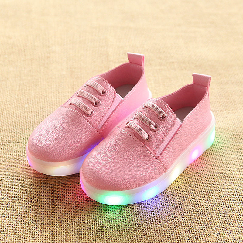 Здесь продается  Wholesale Autumn New Pattern Light Men Girl Luminescence Small White Shoes One Pedal LED Flash Lamp Children Kids Eu 21 - 36  Детские товары
