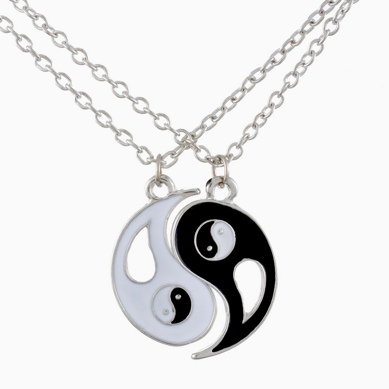 2016 New Fancyqube Fashion Drop shipping 1Set Best Friends Ying Yang Necklaces Two Bagua Charm Pendant Necklaces image