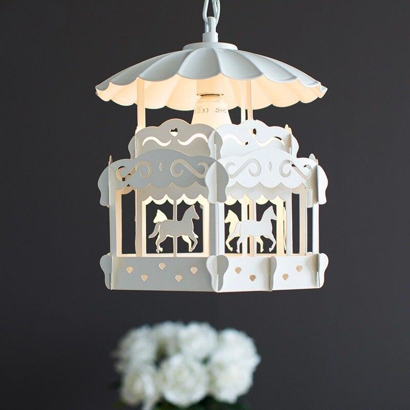 Nordique moderne minimaliste carrousel chambre d'enfants lustre personnalité créative salon chambre princesse lampe affranchissement gratuit