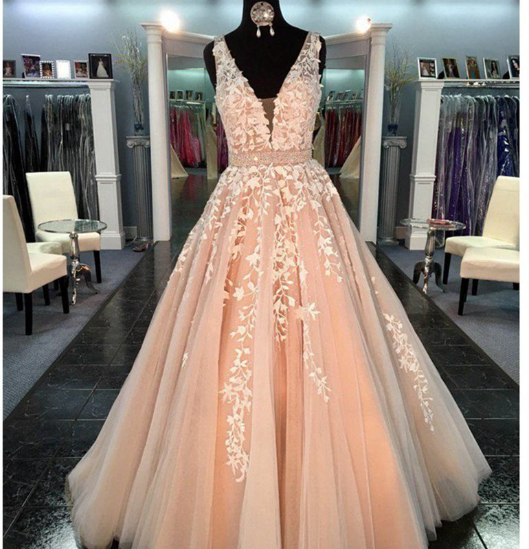 Peach Long   Prom     Dresses   2019 Ball Gowns Lace Applique Sexy V Neck women pageant formal party   dress   vestidos de fiesta