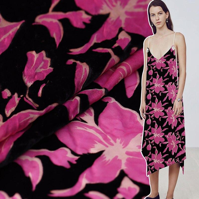 Automne et hiver creux brûlé velours soie tissu soie velours vêtements cheongsam tissu haut de gamme mode soie tissu